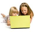 Gyermekek védelme a számítógép előtt is