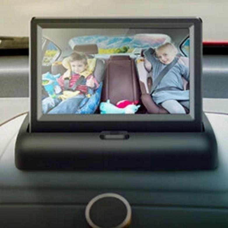 Hátsó ülést megfigyelő kamera autóba